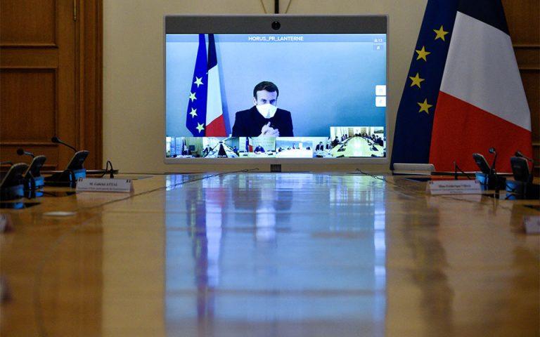 Γαλλία: Παρουσιάζει ακόμα συμπτώματα ο Μακρόν