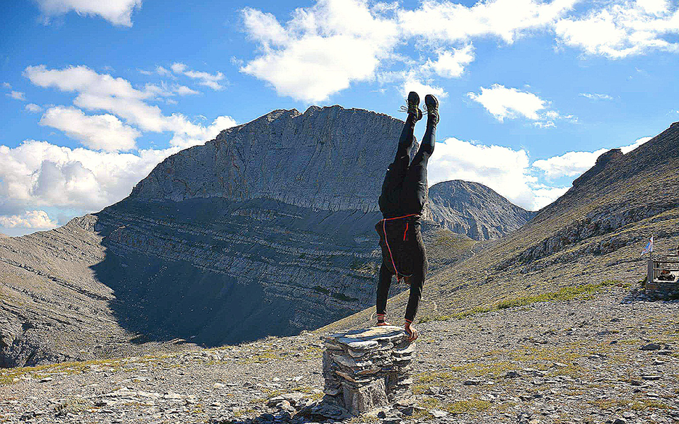 gymnastis-me-sklirynsi-kata-plakas-katakta-tis-ypsiloteres-korfes2