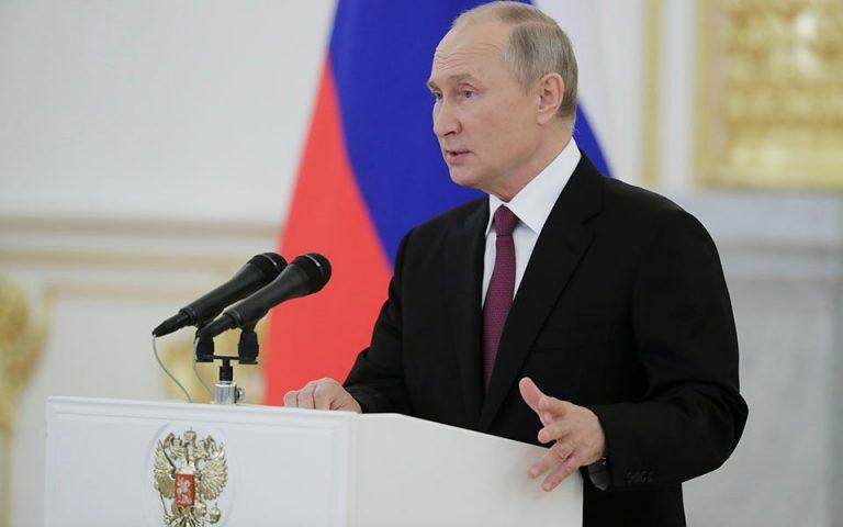 Πούτιν: Ελπίζει στην επιτυχή συνεργασία της Ρωσίας με την AstraZeneca για το εμβόλιο