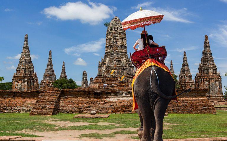 Ταϊλάνδη: Χαλαρώνουν οι ταξιδιωτικοί περιορισμοί για τουρίστες από 56 χώρες