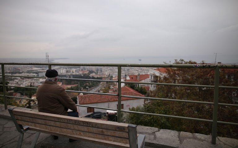 Επιμένει σε υψηλά επίπεδα το ιικό φορτίο στην Θεσσαλονίκη