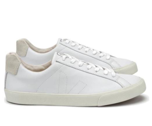 lace-me-up-ayta-ta-leyka-sneakers-einai-i-kalyteri-agora-stis-ekptoseis1