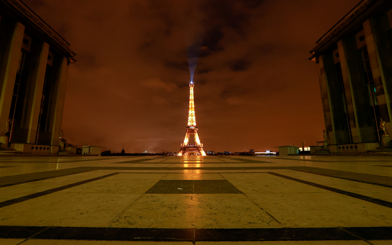 Γαλλία: Από τις 6 το απόγευμα η απαγόρευση κυκλοφορίας σε 15 περιοχές
