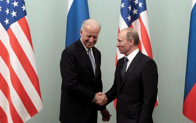 Λευκός Οίκος: Ο Μπάιντεν μετέφερε στον Πούτιν την ανησυχία του για τον Ναβάλνι