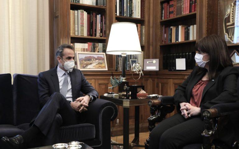 Κυρ. Μητσοτάκης: Ασκούμε πιέσεις στις εταιρείες των εμβολίων να τιμήσουν τα συμβόλαια