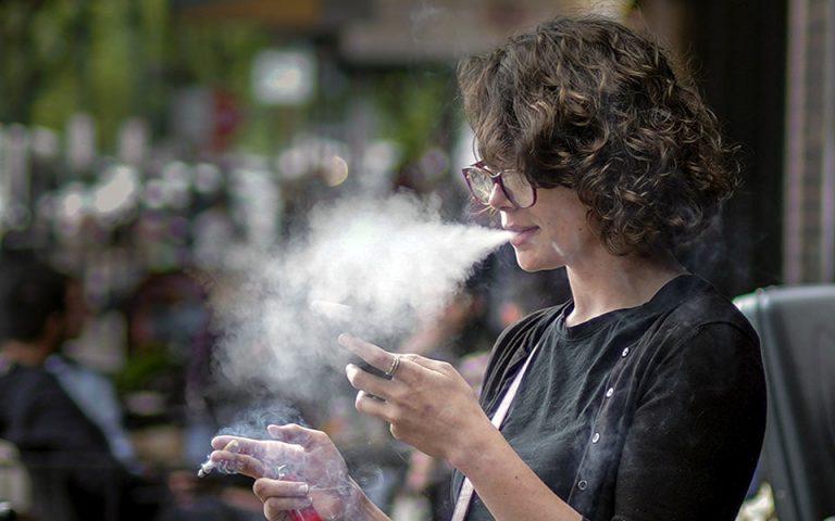 Κάπνισμα στο Μιλάνο τουλάχιστον 10 μ. μακριά από μη καπνιστές