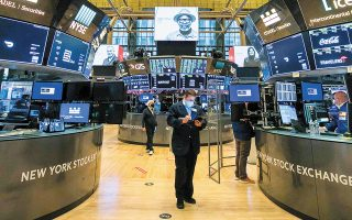 Oι μετοχές των τηλεπικοινωνιακών ομίλων China Telecom, China Unicom και China Mobile σημείωσαν χθες άλμα έως και 8%, μόλις διέρρευσε ότι δεν πρόκειται να διαγραφούν από το NYSE.