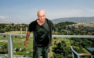 Ο Λι Μπρούερ τον Μάρτιο του 2008 στην Αθήνα. (Φωτ. ΝΙΚΟΣ ΚΟΚΚΑΛΙΑΣ)