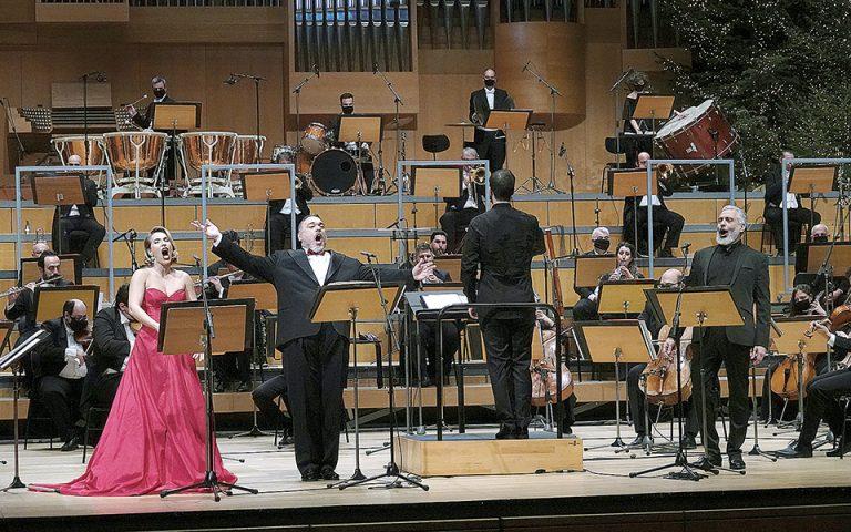 Πρωτοχρονιάτικες συναυλίες με Ελληνες τραγουδιστές
