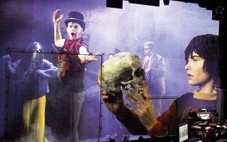 Διαδικτυακός «Αμλετ» από το θέατρο Maxim Gorki του Βερολίνου.