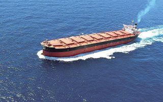 Η έντονη επενδυτική δραστηριότητα των Ελλήνων πλοιοκτητών εντάσσεται στον κύκλο ανανέωσης και εκσυγχρονισμού του ελληνόκτητου εμπορικού στόλου, του μεγαλύτερου παγκοσμίως για μία ακόμη χρονιά (φωτ. EPA).