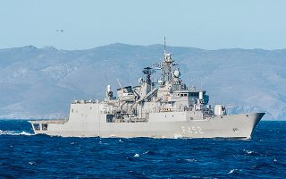 Η αναβάθμιση των τεσσάρων φρεγατών τύπου ΜΕΚΟ (στη φωτ., η φρεγάτα «Υδρα») και η ένταξη πλοίου ενδιάμεσης λύσης στον στόλο είναι στις άμεσες προτεραιότητες του υπουργείου Εθνικής Αμυνας. (Φωτ. ΑΠΕ- ΜΠΕ / ΓΡΑΦΕΙΟ ΤΥΠΟΥ ΓΕΕΘΑ)