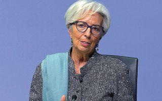 Θετικός παράγοντας, που επιτρέπει αισιοδοξία σύμφωνα με την κ. Λαγκάρντ, είναι το γεγονός ότι η Ε.Ε. κατέληξε σε συμφωνία για το Ταμείο Ανάκαμψης και δρομολογεί την υλοποίησή του.
