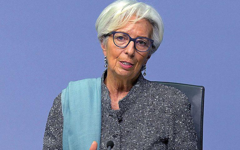 Διπλή ύφεση στην Ευρωζώνη βλέπει η Λαγκάρντ