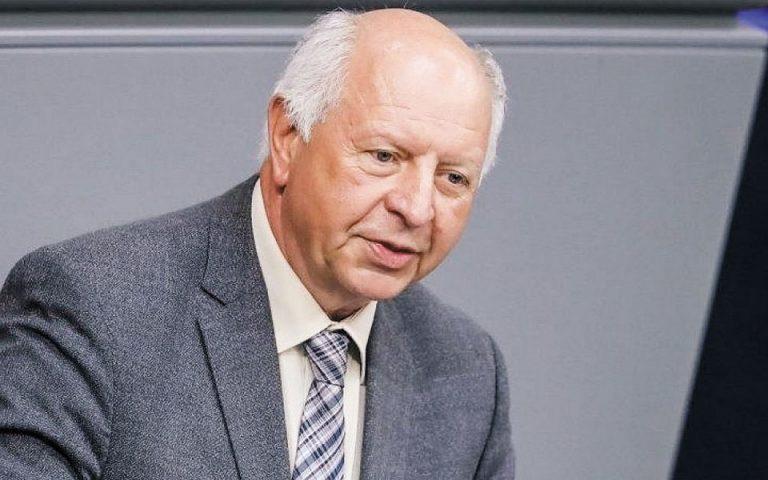 Απόσυρση του «φρένου χρέους» ζητεί σύμβουλος της Μέρκελ