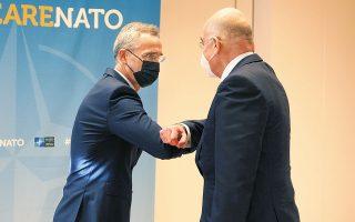 «Είμαι χαρούμενος που βλέπω ότι οι εντάσεις έχουν υποχωρήσει σημαντικά από τότε που επισκέφθηκα την Αθήνα και την Αγκυρα, τον περασμένο Οκτώβριο», ανέφερε ο γ.γ. του ΝΑΤΟ Γ. Στόλτενμπεργκ, που είχε συνάντηση με τον υπουργό Εξωτερικών Ν. Δένδια (φωτ. INTIME NEWS).