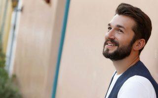 Ο Θοδωρής Βουτσικάκης θα δώσει την Κυριακή την πρώτη του συναυλία μέσω live streaming.