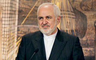 O Ιρανός υπουργός Εξωτερικών Ταβάντ Ζαρίφ τόνισε ότι η χώρα του αντιτίθεται «σφοδρά» στις κυρώσεις των ΗΠΑ κατά της Τουρκίας (φωτ. REUTERS).