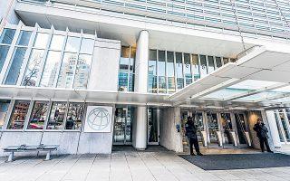 Η Παγκόσμια Τράπεζα εκφράζει φόβους πως οι νεκροζώντανες επιχειρήσεις ενδέχεται να συντελέσουν στο να υπάρξει μία «χαμένη δεκαετία» στασιμότητας.