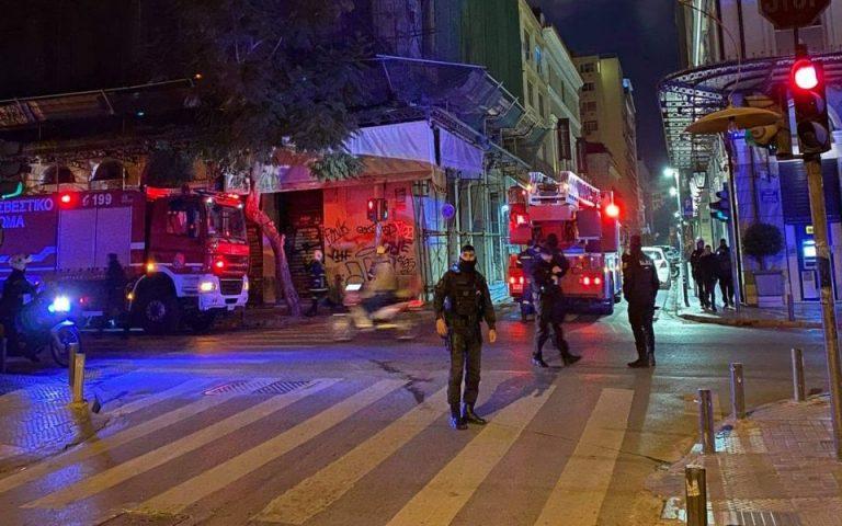 Πυρκαγιά σε χώρο γραφείων στην Αθήνα (βίντεο)