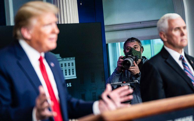 Στο νέο τεύχος του «Κ»: Ο Έλληνας φωτορεπόρτερ του Ντοναλντ Τραμπ