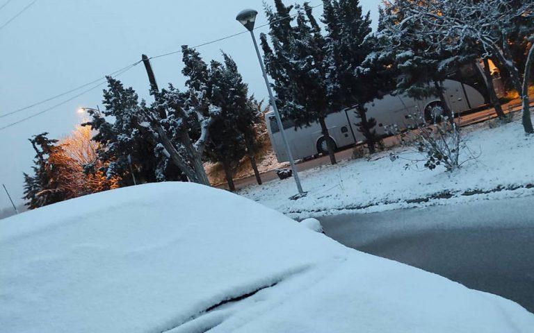 Πού διακόπτεται η κυκλοφορία οχημάτων λόγω χιονοπτώσεων