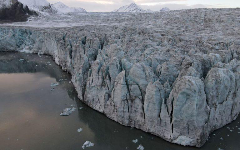 Μελέτη: Επιταχύνεται ο ρυθμός εξαφάνισης των πάγων
