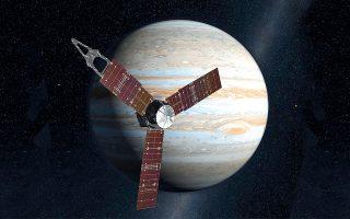 Το διαστημόπλοιο «Juno» της NASA, που έχει περάσει πέντε χρόνια σε τροχιά γύρω από τον γίγαντα αερίων του ηλιακού μας συστήματος, τον Δία, πρόκειται να «αυτοκτονήσει», δηλαδή να εισέλθει στην πυκνή, ραδιενεργό ατμόσφαιρα του πλανήτη και να αποτεφρωθεί, έχοντας εκτελέσει την αποστολή του.