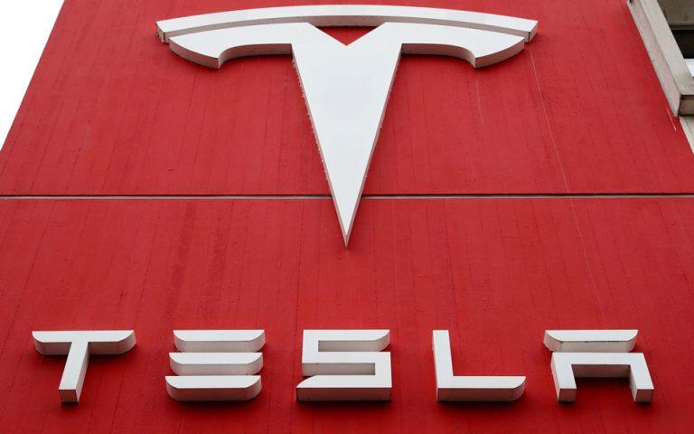 Τζιμ Χάνος: Πώς η Tesla έκαψε τον «Kyniko» θρύλο της Wall Street