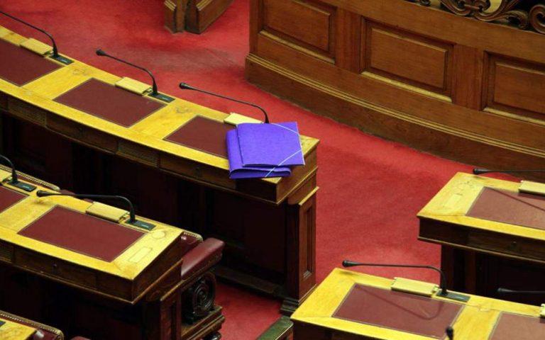 Αντιπαράθεση για σχολεία και ελληνοτουρκικά