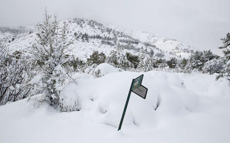 EMY: Χιονόπτωση – ρεκόρ διάρκειας 36 ωρών στην Αττική