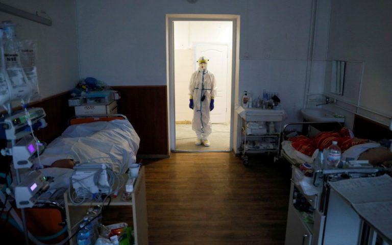 Κορωνοϊός: Στα 638 τα νέα κρούσματα, 25 θάνατοι