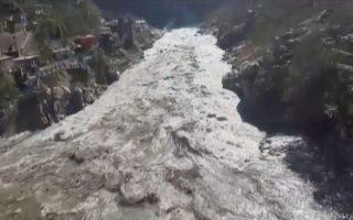 Η πλημμύρα που προκάλεσε η κατάρρευση τμήματος του παγετώνα: Φωτογραφία από τηλεοπτικό πλάνο ANI/REUTERS TV/via REUTERS