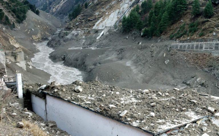 Ιμαλάια: Δεκάδες νεκροί και 125 αγνοούμενοι από κατάρρευση τμήματος παγετώνα