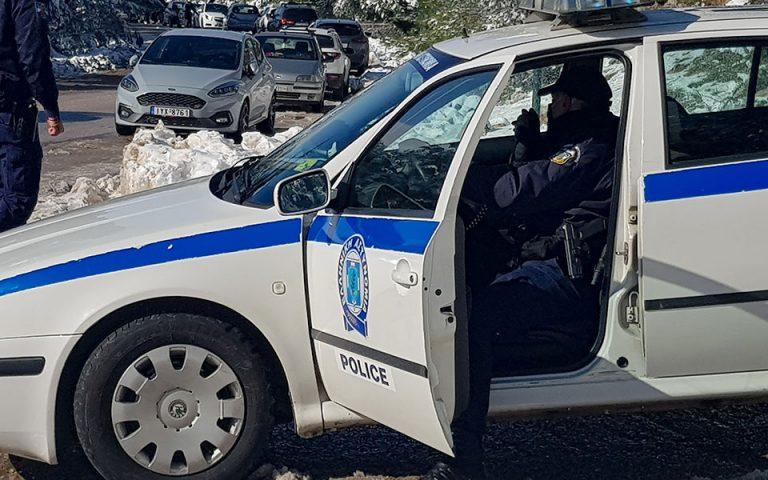 Πυροβολισμοί κατά αστυνομικών από ληστές που ανατίναξαν ΑΤΜ
