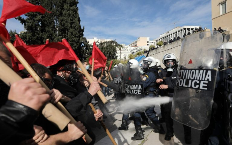 Ένταση στις διαδηλώσεις σε Αθήνα και Θεσσαλονίκη