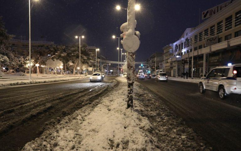 Έλεγχοι Covid: Τρεις συλλήψεις και 692 περιπτώσεις παράβασης των μέτρων