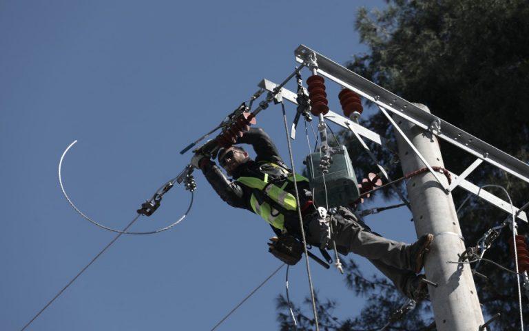 «Μήδεια»: Διακοπές ρεύματος σε 100.000 νοικοκυριά σε όλη τη χώρα