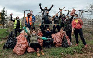 Μόνο στη Θεσσαλονίκη οι εθελοντές του «Save Your Hood» μάζεψαν πάνω από 115.000 λίτρα σκουπιδιών σε περίπου δυόμισι μήνες. (Φωτογραφίες: Αλέξανδρος Αβραμίδης)