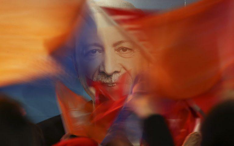 ΗΠΑ: 54 γερουσιαστές ζητούν από τον Μπάιντεν να βάλει τέλος στον αυταρχισμό Ερντογάν