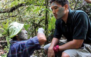 Ο Bruce Poon Tip σε ταξίδι στον Αμαζόνιο. © G Adventures Inc.
