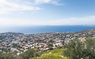 Η δεύτερη φάση της κτηματογράφησης στις περιοχές του Δήμου Λαυρεωτικής (Λαύριο, Κερατέα, Αγιος Κωνσταντίνος) και Σαρωνικού (Φώκαια, Ανάβυσσος, Σαρωνίδα, Κουβαράς, Καλύβια) ξεκίνησε στα τέλη του 2014 και η ανάρτηση των στοιχείων το 2017.