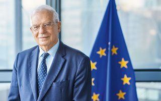 «Την τελευταία δεκαετία, οι σχέσεις Ε.Ε. - Ρωσίας έχουν επιδεινωθεί. Πρέπει να έχουμε μια ειλικρινή ανταλλαγή απόψεων και να εκφράζουμε ξεκάθαρα τις ανησυχίες μας», αναφέρει ο ύπατος εκπρόσωπος της Ε.Ε. Ζοζέπ Μπορέλ.
