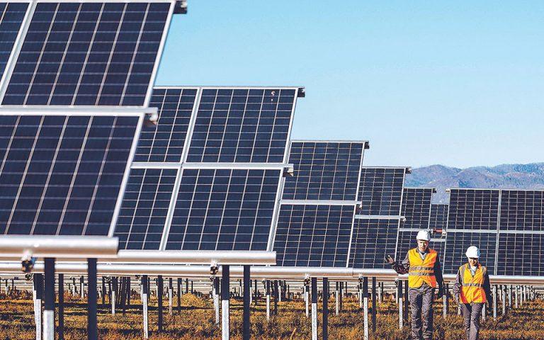 Η καθαρή ενέργεια επιβάλλει τις νέες μεγάλες δυνάμεις