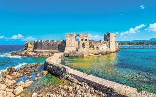 Αν φανταστούμε την ιστορία της Πελοποννήσου σαν ένα αρχαίο δέντρο, τότε το Κάστρο της Μεθώνης είναι η εγκάρσια τομή του (φωτ. SHUTTERSTOCK).