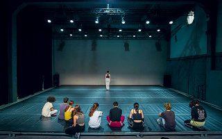 Tο εκπαιδευτικό πρόγραμμα χορού για εφήβους «Ancient Future Solo» στο greekfestival.gr.