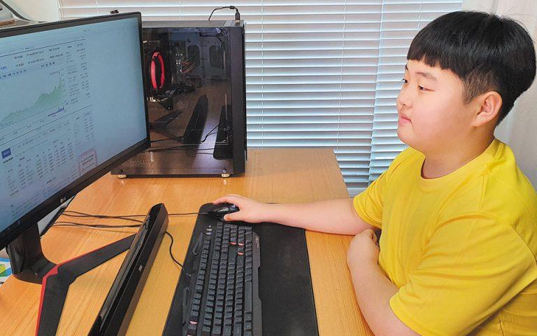 Δωδεκάχρονος Νοτιοκορεάτης στα βήματα του Γουόρεν Μπάφετ