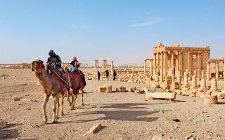 Τον Ιούλιο του 2015, λίγους μήνες αφότου οι τζιχαντιστές του ISIS είχαν καταλάβει την Παλμύρα, τον αιχμαλώτισαν και τον ανέκριναν για να τους αποκαλύψει πού βρίσκονταν κρυμμένοι οι πολύτιμοι θησαυροί της. Ο Σύρος αρχαιολόγος Χαλέντ αλ Ασαάντ αρνήθηκε να μιλήσει και τον αποκεφάλισαν (φωτ. shutterstock).