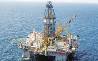 Το πετρέλαιο έχει ανακάμψει σε επίπεδα άνω των 60 δολαρίων το βαρέλι. Η Goldman Sachs προβλέπει πως θα φθάσει τα 75 δολάρια το βαρέλι μέσα στους επόμενους μήνες. (Φωτ. A.P.)