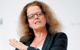 «Θα εξασφαλίσουμε πως δεν υπάρχει κάποια αδικαιολόγητη κίνηση για να αυστηροποιηθούν οι συνθήκες χρηματοδότησης», τόνισε η Ιζαμπέλ Σνάμπελ της ΕΚΤ. (Φωτ. REUTERS)